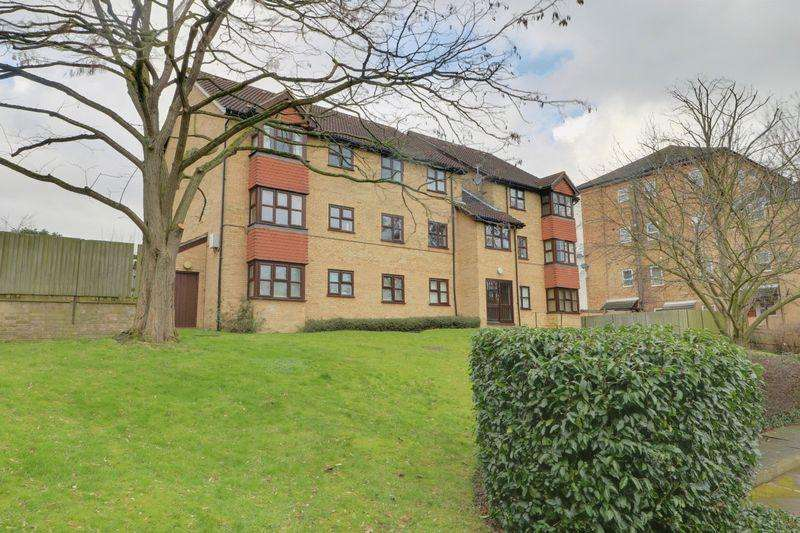 2 Bedrooms Apartment Flat for sale in Nottingham Road, South Croydon