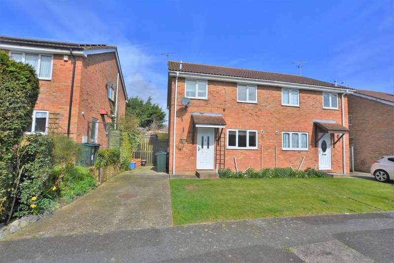 3 Bedrooms Semi Detached House for sale in Croftwood, Ashford