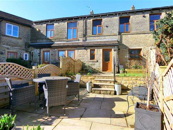 4 Bedrooms Terraced House for sale in Wilshaw Mill Road, Holmfirth