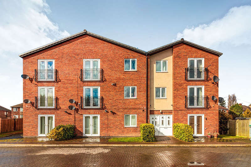 3 Bedrooms Flat for sale in West Hill, ROTHERHAM, S61