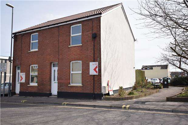 2 Bedrooms Semi Detached House for sale in Rock Road, Keynsham, BRISTOL, BS31 1BP