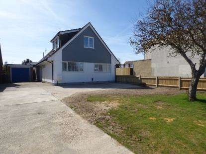 4 Bedrooms Bungalow for sale in Hayling Island, Hampshire, .