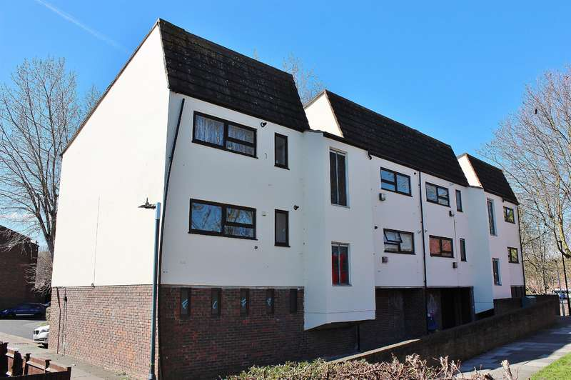 1 Bedroom Flat for sale in Woolf Close, Thamesmead, SE28 8DG