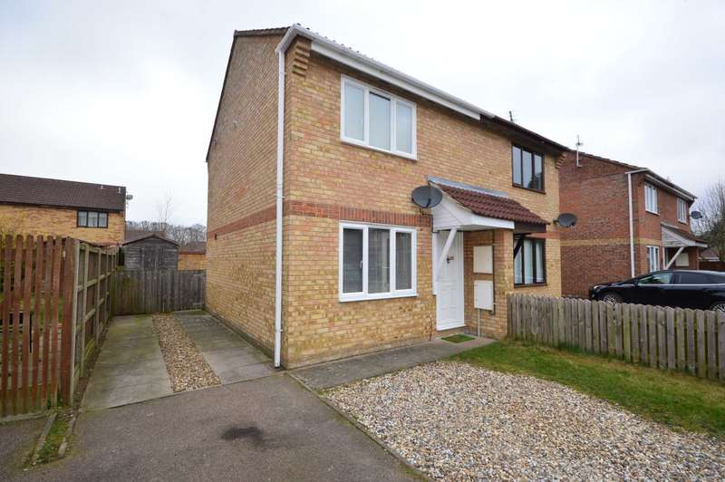2 Bedrooms Semi Detached House for sale in Snowberry Close, NR8
