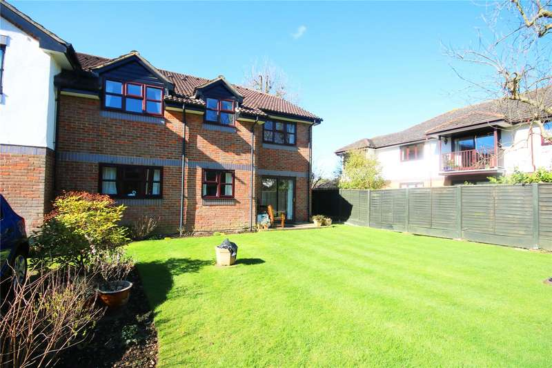 2 Bedrooms Retirement Property for sale in Pitson Close, Addlestone, Surrey, KT15