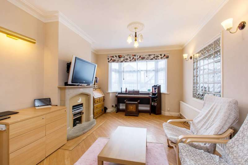 3 Bedrooms Terraced House for sale in Kingsdown Road, Cheam, SM3