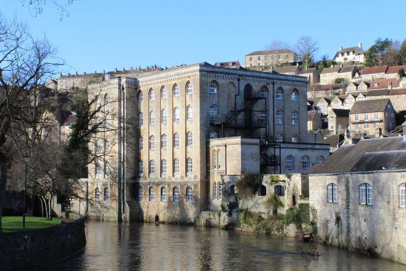 2 Bedrooms Flat for sale in Abbey Mill, Bradford on Avon