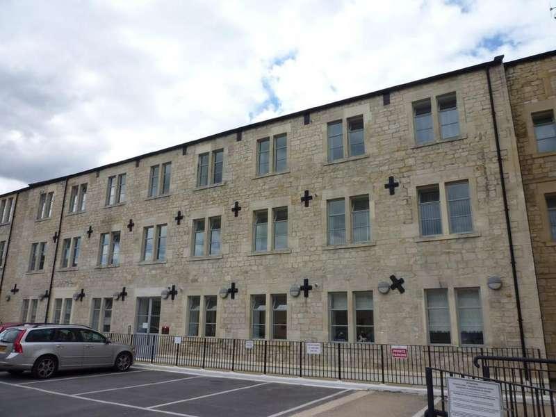 2 Bedrooms Flat for rent in LAMB YARD, BRADFORD ON AVON