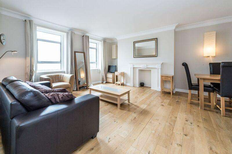 2 Bedrooms Flat for sale in Macready House, Crawford Street, London W1H
