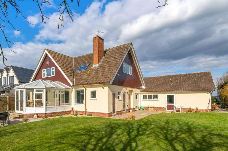 4 Bedrooms Detached House for sale in Nicker Hill, Keyworth, Nottingham, NG12