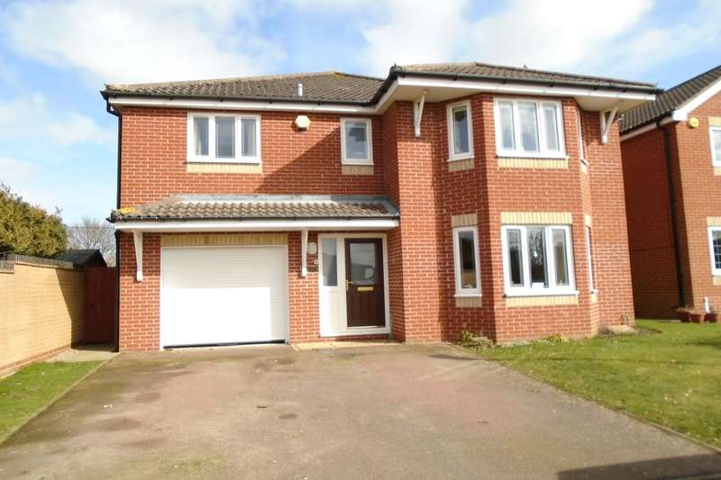 4 Bedrooms Detached House for sale in Howard Way, Aylsham, Norwich, NR11