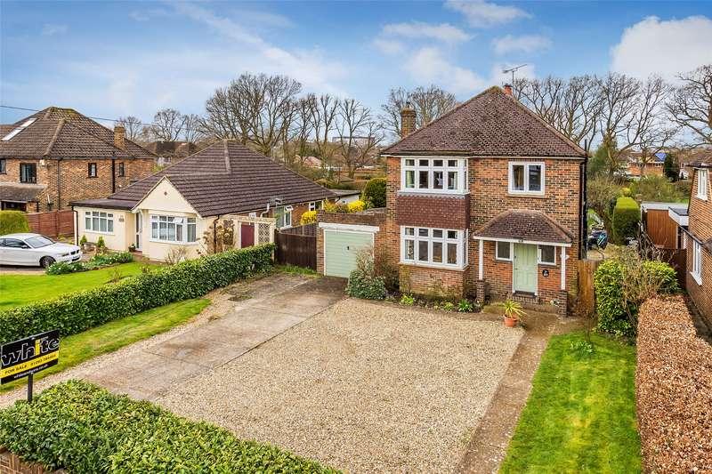 3 Bedrooms Detached House for sale in Upfield, Horley, Surrey, RH6