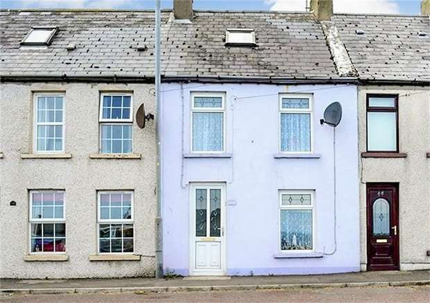 3 Bedrooms Terraced House for sale in Main Street, Ballywalter, Newtownards, County Down