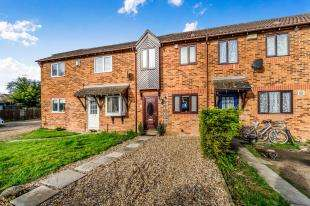 2 Bedrooms Terraced House for sale in Cricketers Close, Sittingbourne, Kent