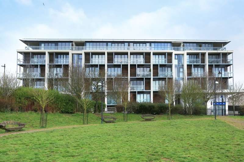 2 Bedrooms Flat for sale in Stonehouse, Plymouth