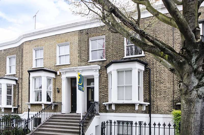 2 Bedrooms Maisonette Flat for sale in Poole Road, Victoria Park, E9