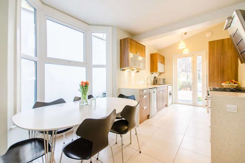 3 Bedrooms Terraced House for sale in Mellish Street, Canary Wharf, E14