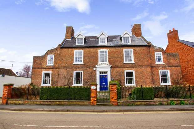 7 Bedrooms Detached House for sale in Church Street, Spalding, Lincolnshire, PE11 4UA