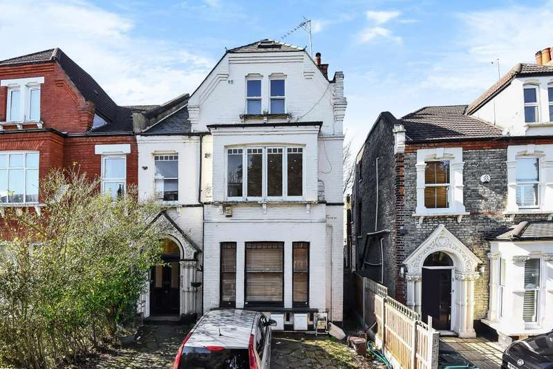2 Bedrooms Flat for sale in Station Road, Finchley, N3