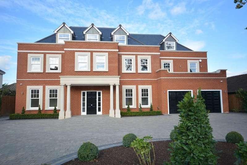 6 Bedrooms Detached House for sale in Parkstone Avenue, Emerson Park RM11
