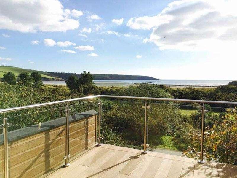 2 Bedrooms Lodge Character Property for sale in Par Beach, Par