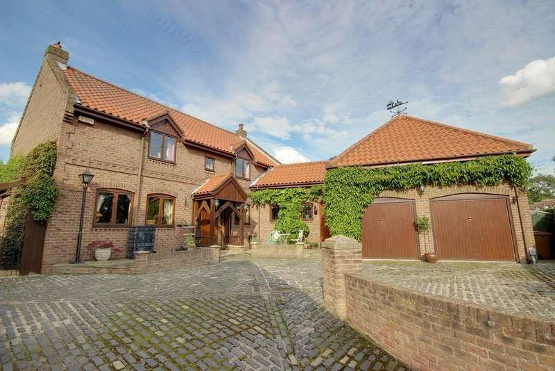 5 Bedrooms Detached House for sale in Thorpe Drive, Brantingham