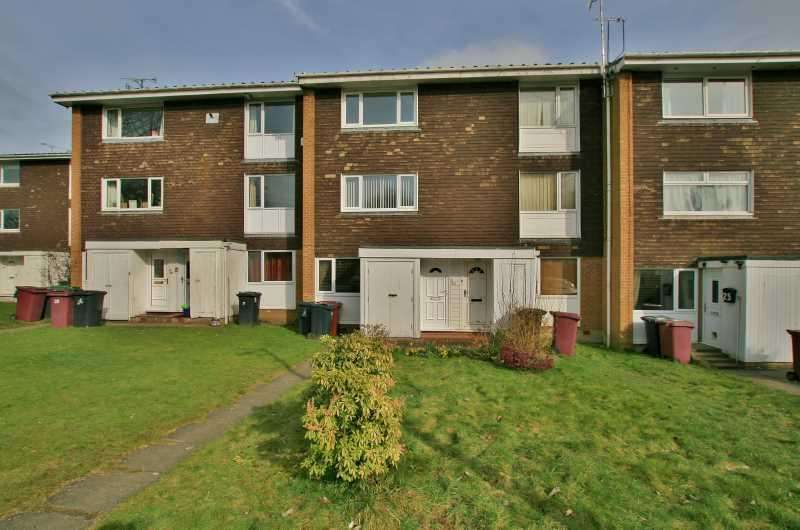 2 Bedrooms Flat for sale in Sherwood Place, Dronfield Woodhouse, Derbyshire, S18 8PB