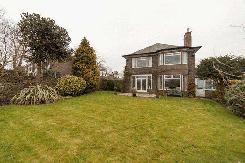 4 Bedrooms Detached House for sale in Rocks Road, Savile Park Halifax
