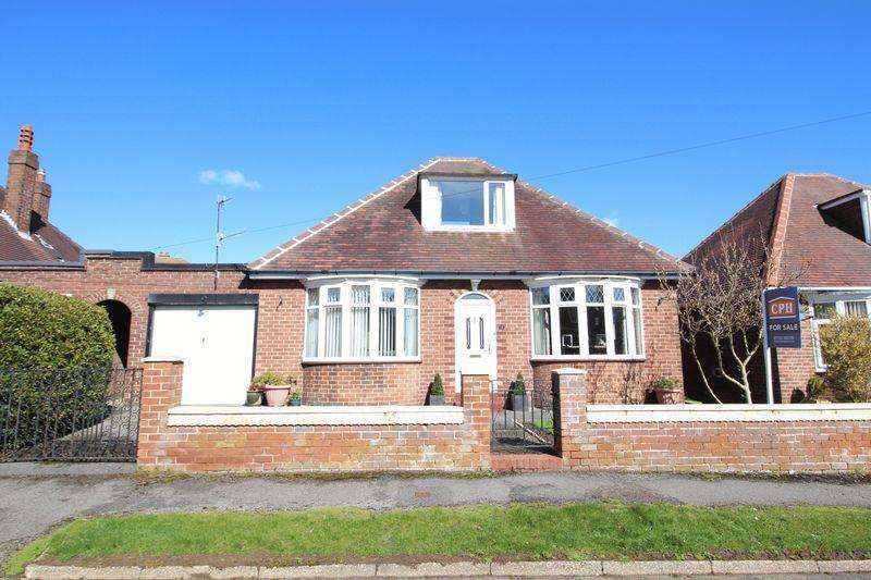 3 Bedrooms Detached Bungalow for sale in Lady Ediths Crescent, Scarborough