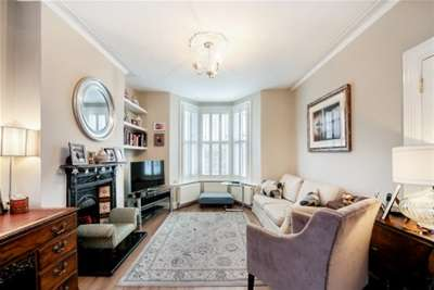 5 Bedrooms House for rent in Ravenswood Road, SW12