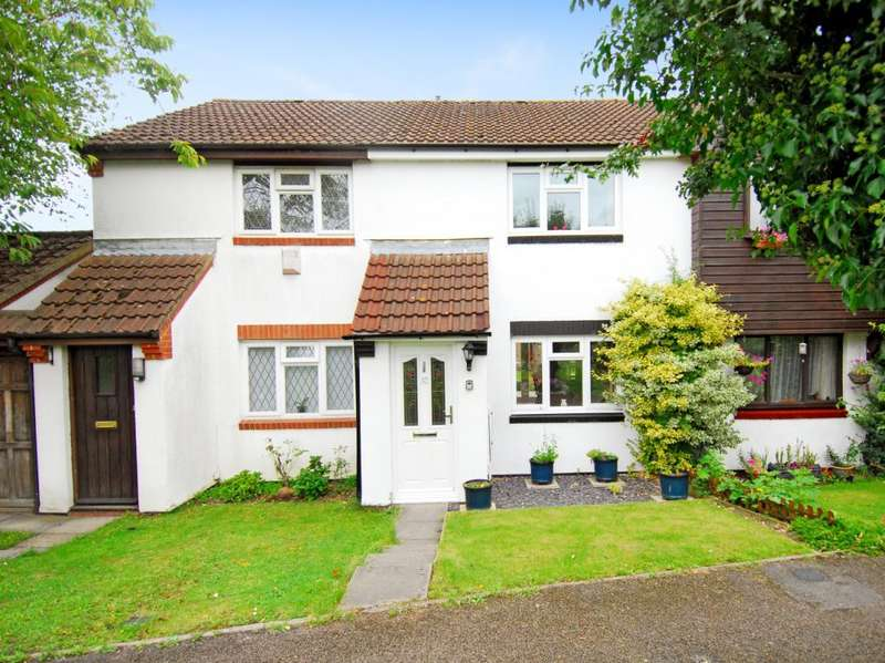 2 Bedrooms House for rent in Roman Gardens, Kings Langley, Herts, WD4