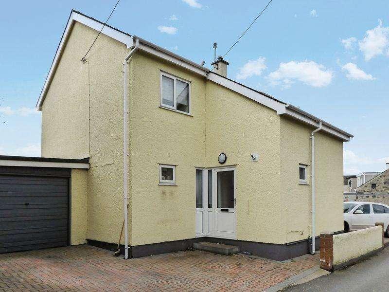 3 Bedrooms Detached House for sale in Bethel