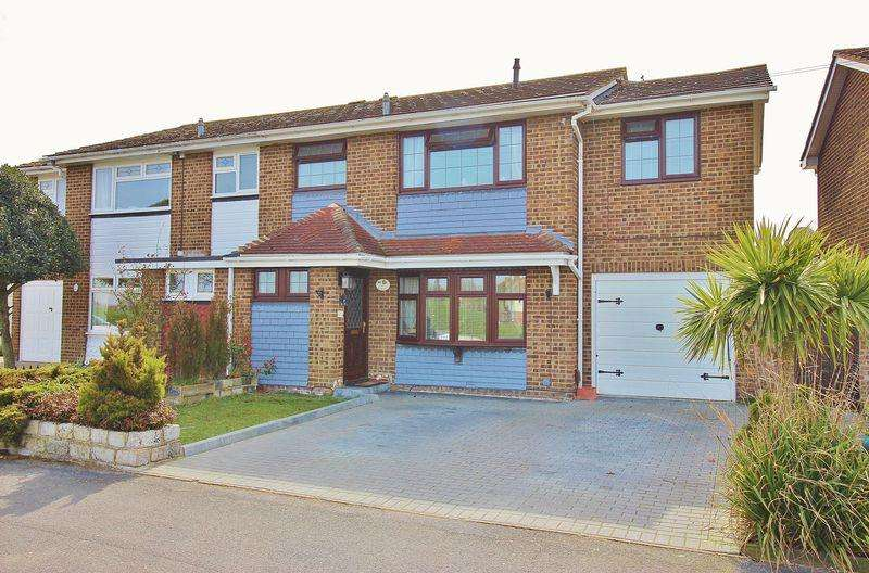 4 Bedrooms Semi Detached House for sale in Moorings Way, Milton