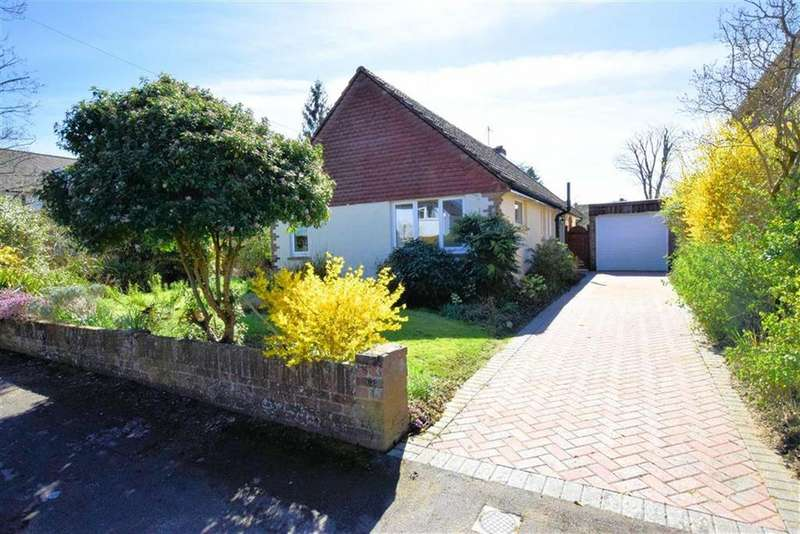 3 Bedrooms Bungalow for sale in Eric Avenue, Emmer Green, Reading