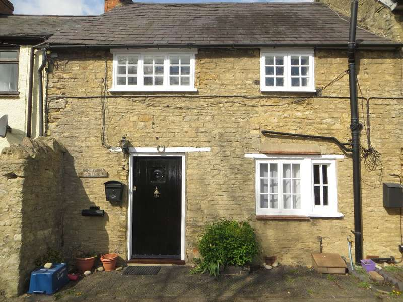 2 Bedrooms Terraced House for rent in OLNEY MK46 5BD