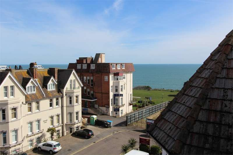 1 Bedroom Flat for sale in 3 Westcliff Gardens, Bournemouth