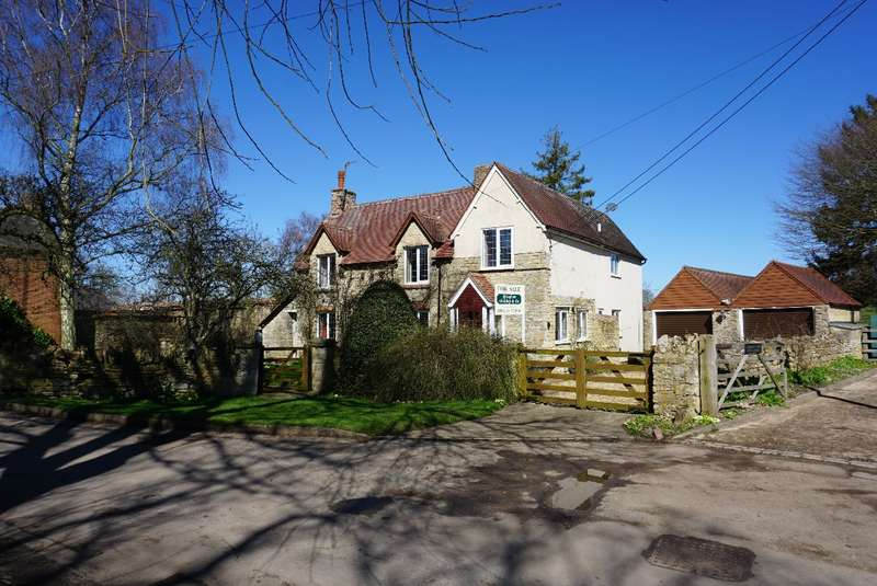 4 Bedrooms Cottage House for sale in LANE END, CLIFTON REYNES
