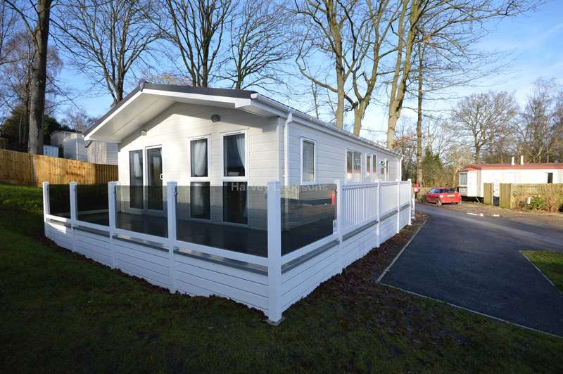 2 Bedrooms Lodge Character Property for sale in Beauport Holiday Park, The Ridge West, Hastings