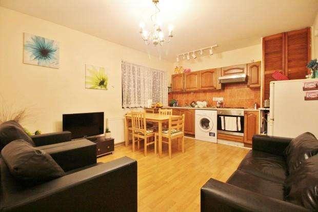 2 Bedrooms Flat for sale in Lausanne Road, Harringay, N8