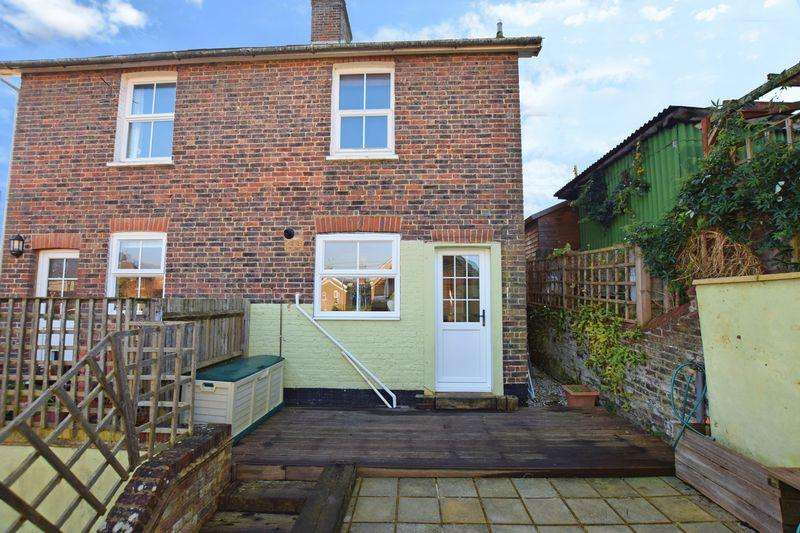 3 Bedrooms Semi Detached House for sale in Baker Street, Uckfield, TN22