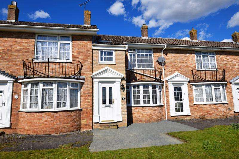 3 Bedrooms Terraced House for sale in The Dene, Uckfield