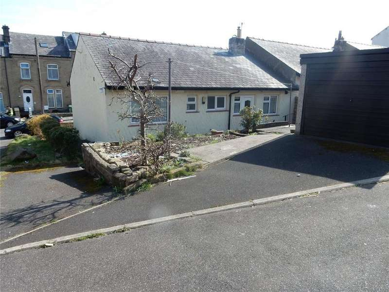 3 Bedrooms Bungalow for sale in Thornton Lodge Road, Huddersfield, HD1