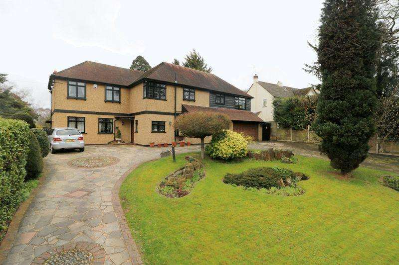 6 Bedrooms Detached House for sale in Coulsdon Road, Coulsdon
