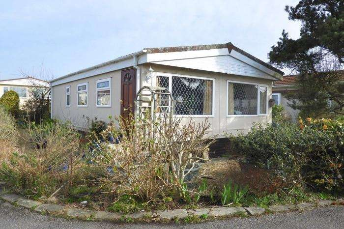 2 Bedrooms Park Home Mobile Home for sale in 27 Glenhaven Park, HELSTON, TR13