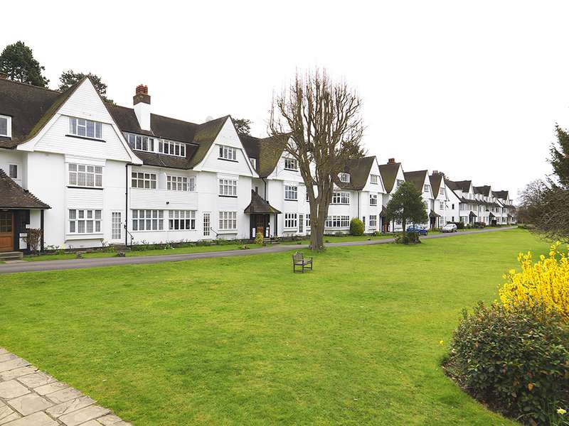 2 Bedrooms Property for sale in Watts Road, Thames Ditton, KT7