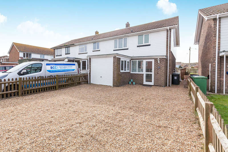 3 Bedrooms Terraced House for sale in Denham Way, Camber, Rye, TN31