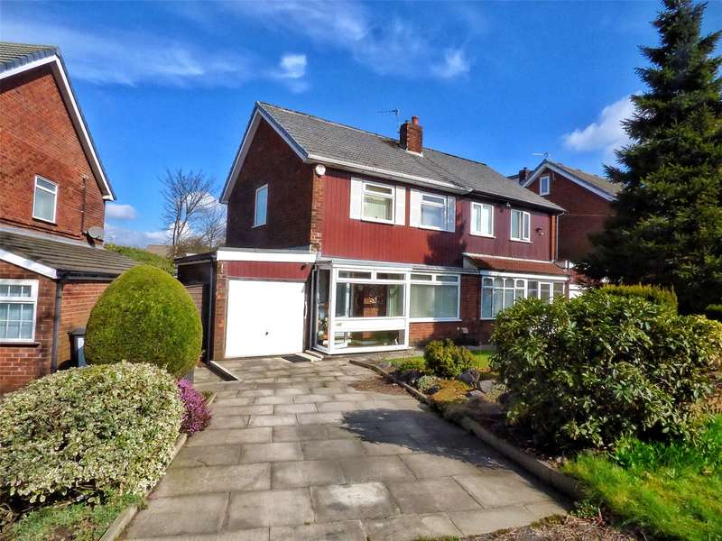 3 Bedrooms Semi Detached House for sale in Broadway, Royton, Oldham, Greater Manchester, OL2