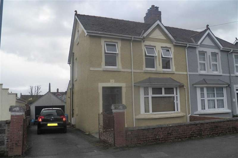 3 Bedrooms Semi Detached House for sale in Penbryn Avenue, Carmarthen