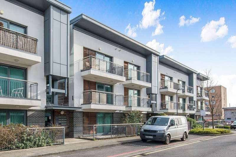 1 Bedroom Flat for sale in Ted Bates Road, Southampton, SO14