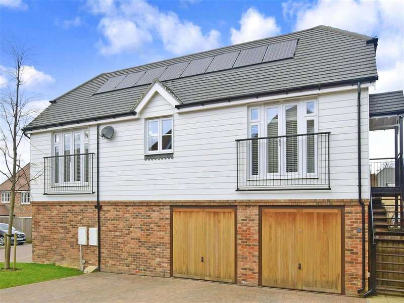 2 Bedrooms Detached House for sale in Sycamore Mews, , Caterham, Surrey